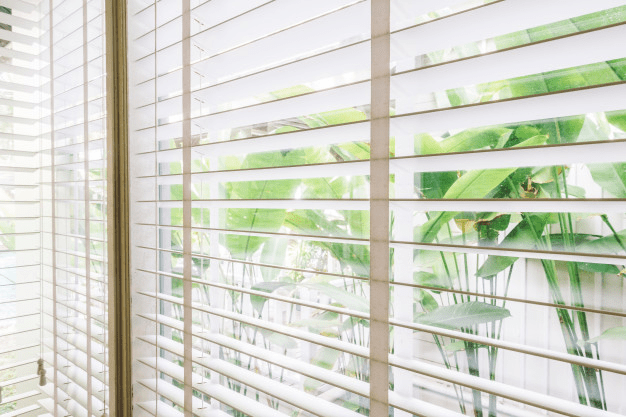 How to Select the Best Blind Slat Size for Your Windows